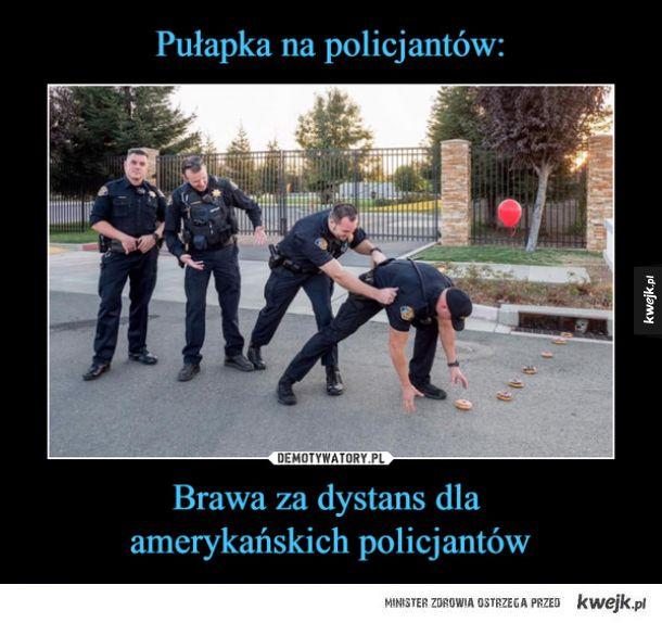 Brawa za dystans dla policjantów :)