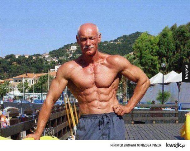 Nie wszyscy tatusiowie mają piwne brzuszki - można być fit w każdym wieku