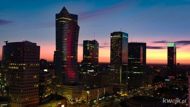 Warszawa widziana z drona wygląda niesamowicie