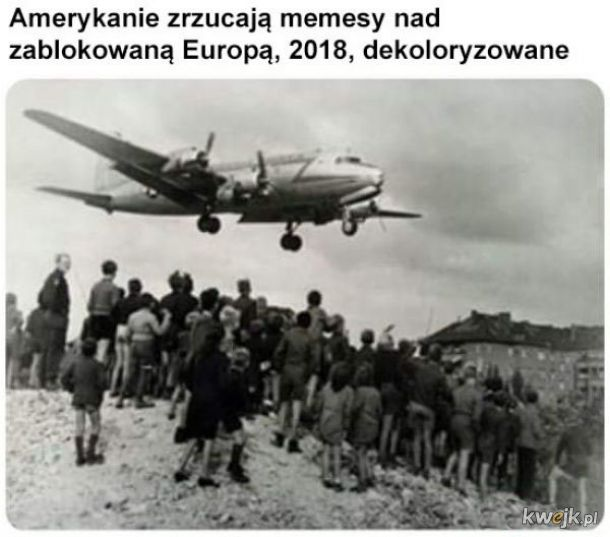 Bombardowanie memesami