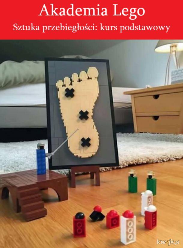 gdy dostaniesz klockiem lego w stopę, wiedz, że to nie przypadek