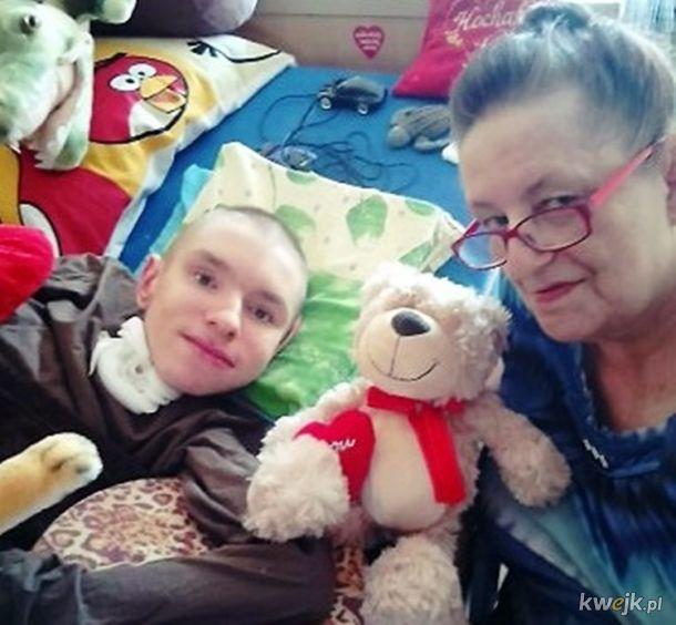 Pomoc dla ciężko chorego Adriana i jego babci