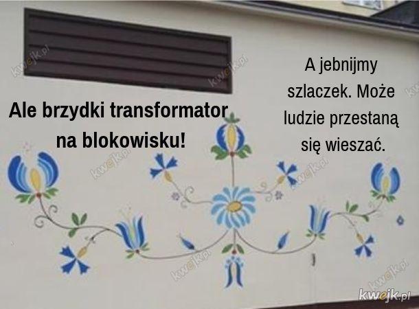 Szara, smutna stacja transfomatorowa