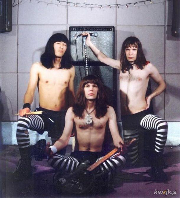 Dziwne zdjęcia zespołów metalowych