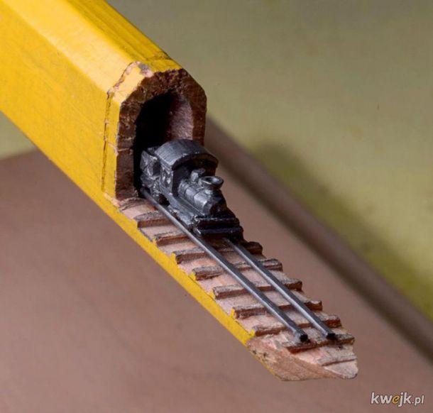 Pociąg w ołówku