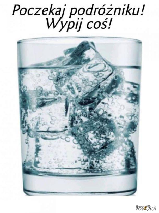 W tak gorące dni pamiętaj o piciu wody!