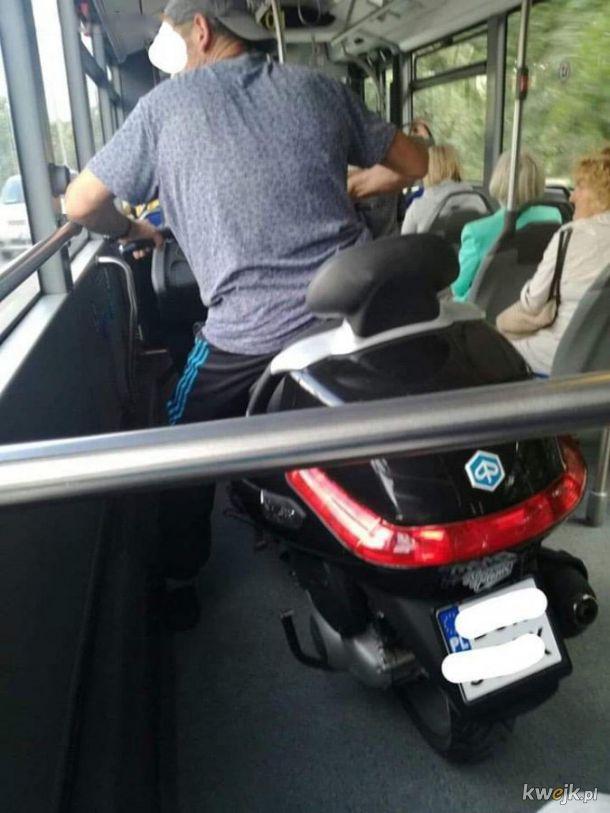 Autobusem na motorze