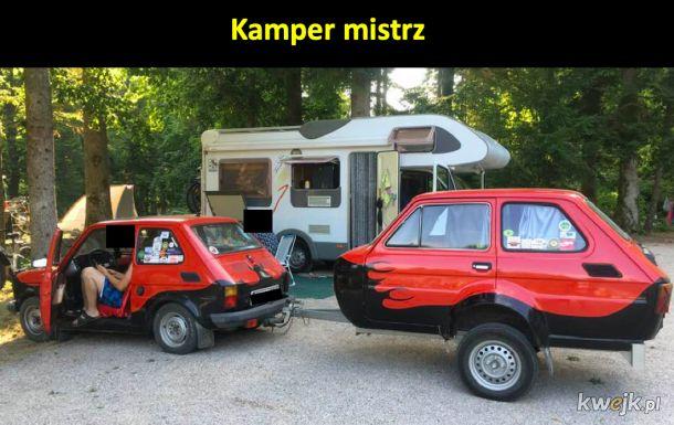Słowak w Słowenii w self-made camper-maluchu