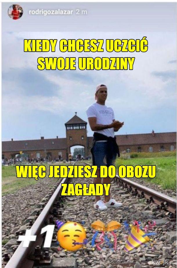 Piłkarz Korony Kielce skończył 20 lat, gratulujemy. (kropka wiadomo czego)