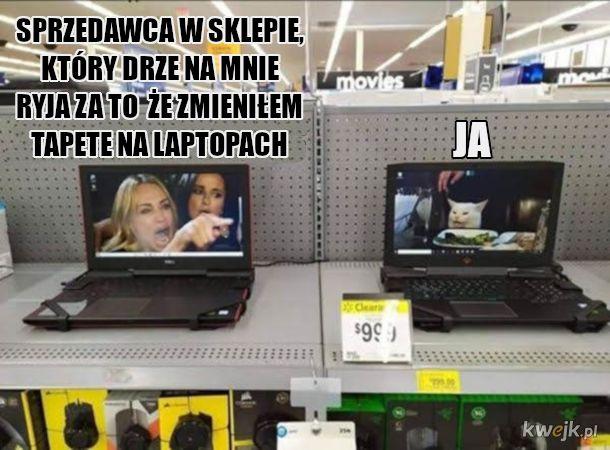 W sklepie z elektroniką