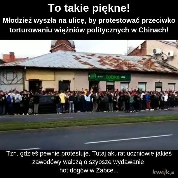 I na piersi znak Polski Walczącej...