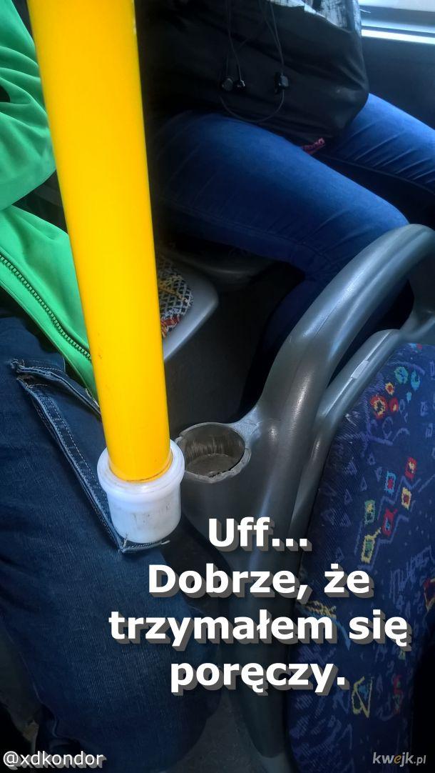 Lekkie zahamowanie autobusu...