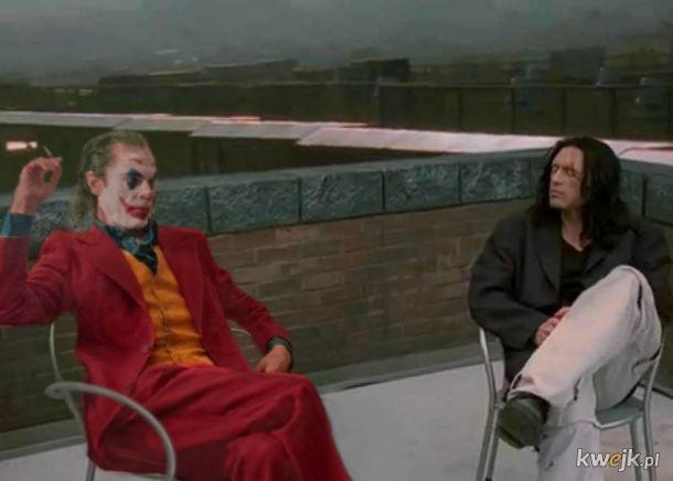 Joker w przypadkowych miejscach