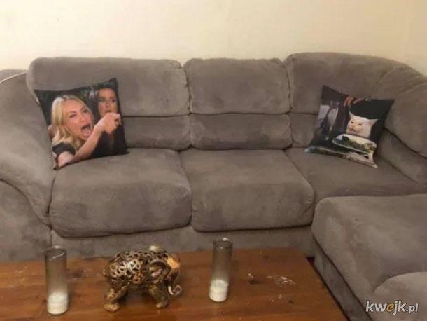 Mem na kanapie