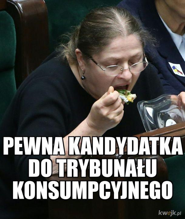 Julka gotuje, Stasiu potrawy nosi...