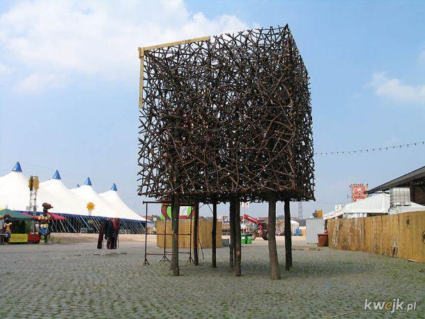 Rzeźby wykonane wyłącznie z naturalnych materiałów przez Fina Jaakko Pernu, obrazek 12