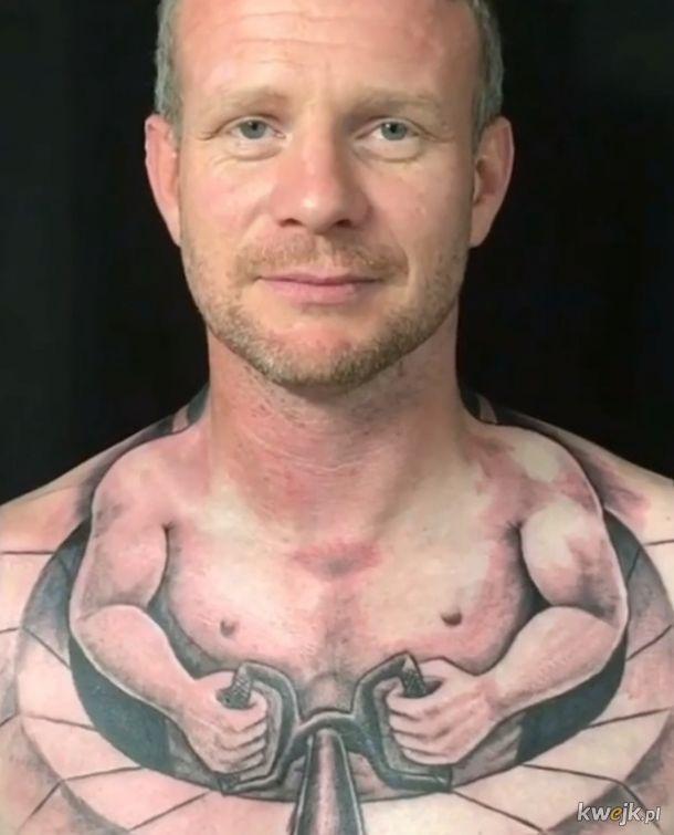 Te tatuaże to chyba efekt przegranego zakładu