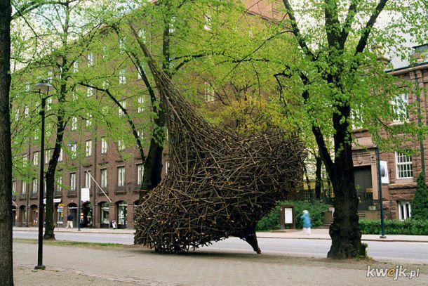 Rzeźby wykonane wyłącznie z naturalnych materiałów przez Fina Jaakko Pernu, obrazek 2