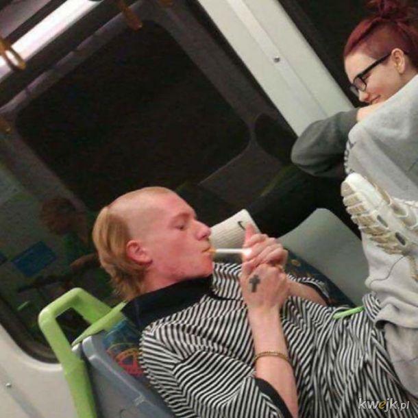 Ludzie dupki w komunikacji publicznej
