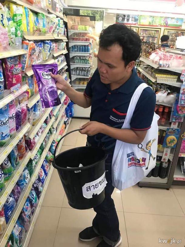 W Tajlandii wprowadzono zakaz sprzedaży foliowych siatek, więc ludzie muszą sobie radzić inaczej