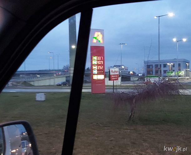 Stacja paliw Auchan Piaseczno k/Warszawy