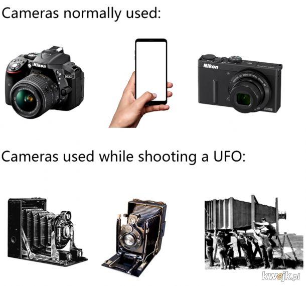 TY, UFO!  wyciągaj stacjonarny telefon i pykaj fote!
