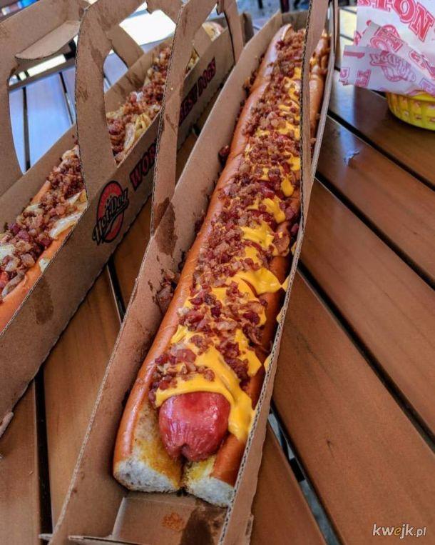 I w ten sposób kupisz hot-dogi dla siebie i przyjaciół