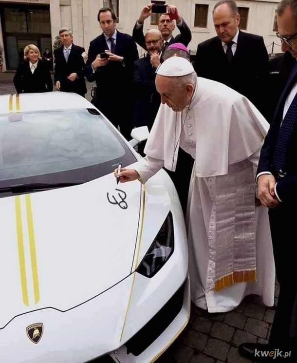 Papamobile. Franciszek 1, Kubica 2, Benedykt XVI