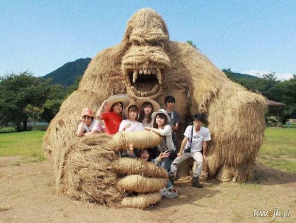 Godzilla ze słomy