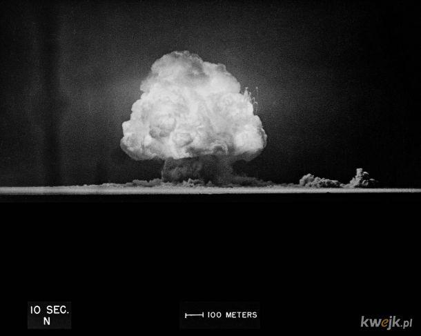 """75 lat temu przeprowadzono pierwszą detonację bomby atomowej. Tak rozpoczęła się """"era atomu"""""""