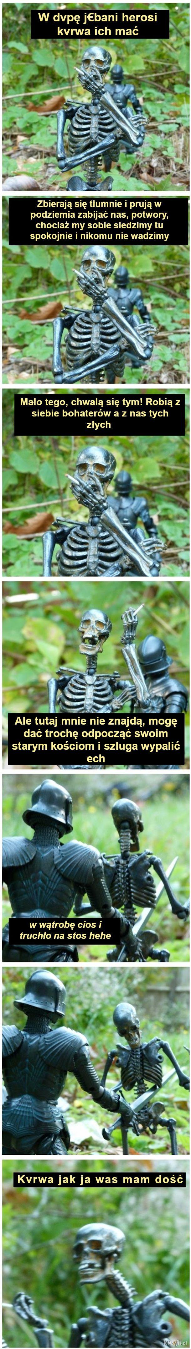 Szkieletem być