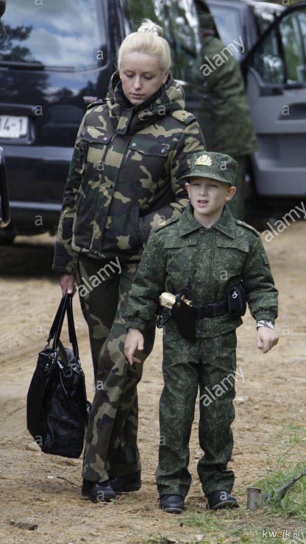 To tylko syn Lukaszenki ze zlotym pistoletem od Chaveza