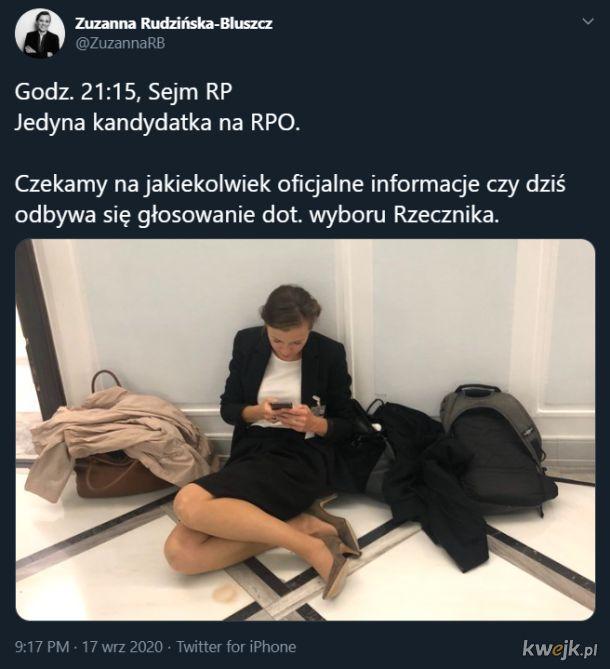 Oficjalna kandydatka na Rzecznika Praw Obywatelskich siedzi na podłodze sejmowej, bo ktoś zapomniał jej powiedzieć, że głosowania nie będzie