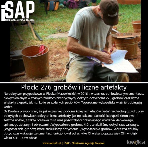 Wczesnośredniowieczne cmentarzysko w Płocku- więcej info: isap.info.pl/2020/09/11/plock-na-wczesnosredniowiecznym-cmentarzu-odkryto-dotad-276-grobow-i-liczne-artefakty/