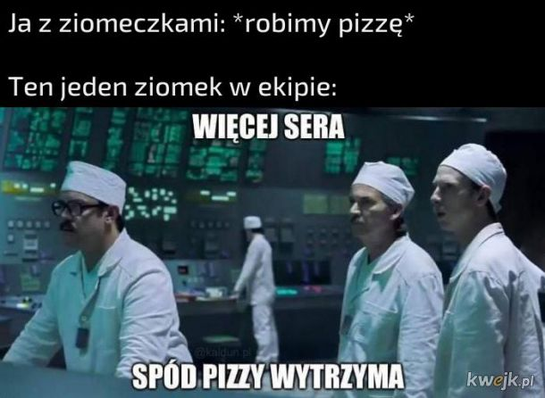 Robienie pizzy z ziomkami