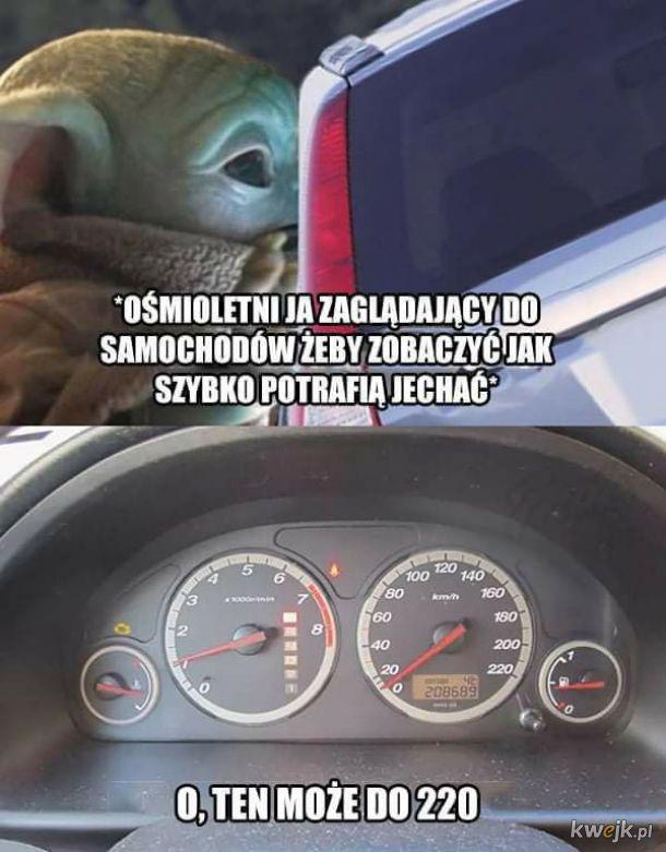 Zaglądanie do aut