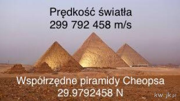 piramida i prędkość światła
