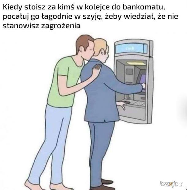 Kolejka do bankomatu