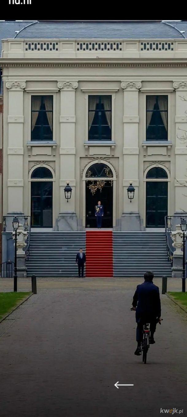 Holenderski premier jedzie wreczyc krolowi dymisje swojego rzadu