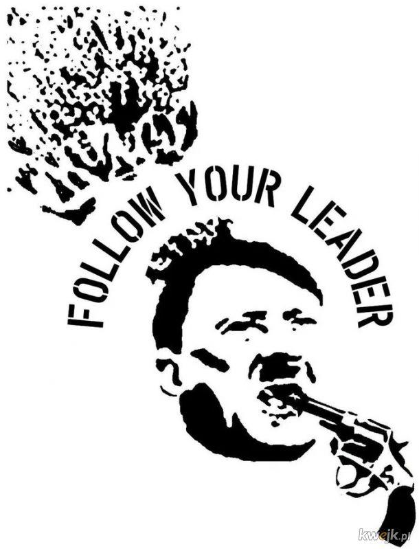 """""""Mam książkę o Stalinie i trzeba powiedzieć, że to niesamowita osobowość, prawdziwy asceta, który trzyma to olbrzymie państwo żelazną ręką. Ale powiedzieć, że to państwo socjalistyczne, to jest oszustwo jakich mało! To jest państwo państwowo-kapitalistycz"""