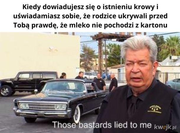 Kłamieje!