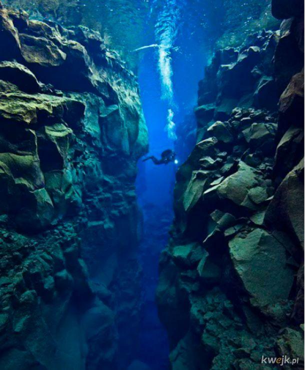 Tylko na Islandii przepłyniesz przez 2 płyty tektoniczne