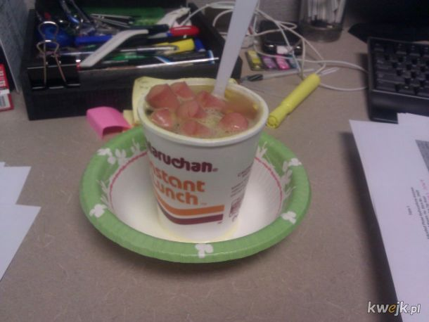 """Sad Desk Lunch, czyli """"fantazyjne"""" obiadki robione do pracy"""