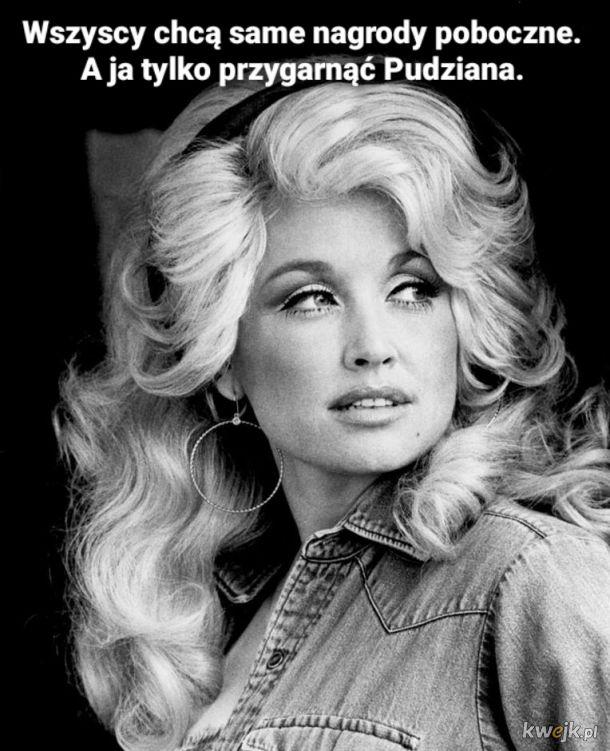 Scrolluj dalej. To tylko nowy Dolly Parton challenge.