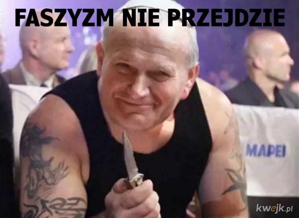Janusz Pawlacz z nożem