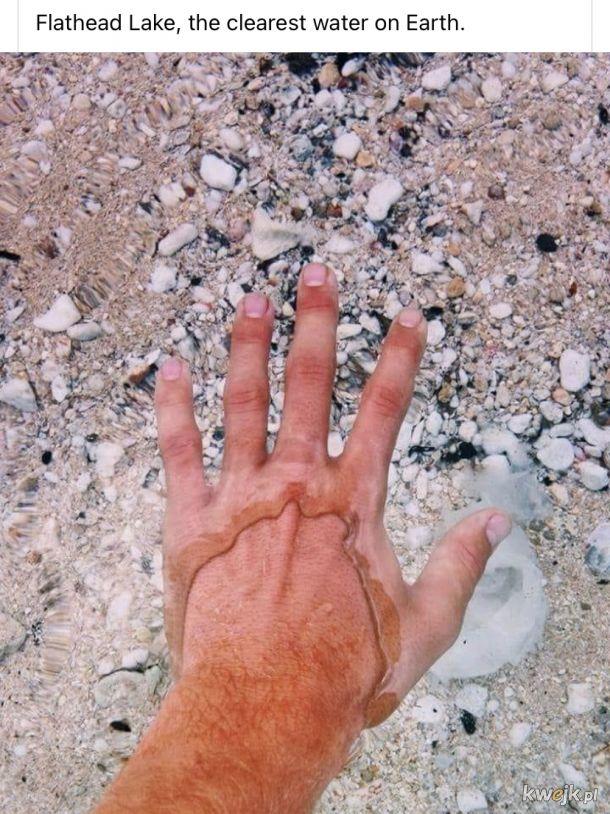 Krystalicznie czysta woda w jeziorze