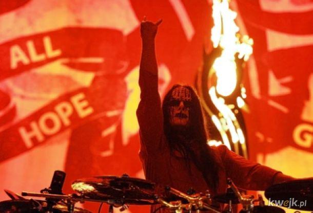 Joey Jordison- F