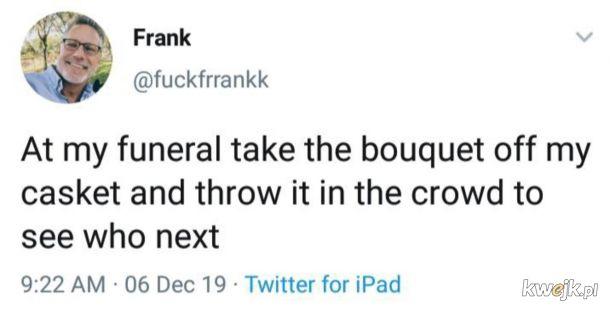 Rzućta bukietem w tłum na pogrzebie.