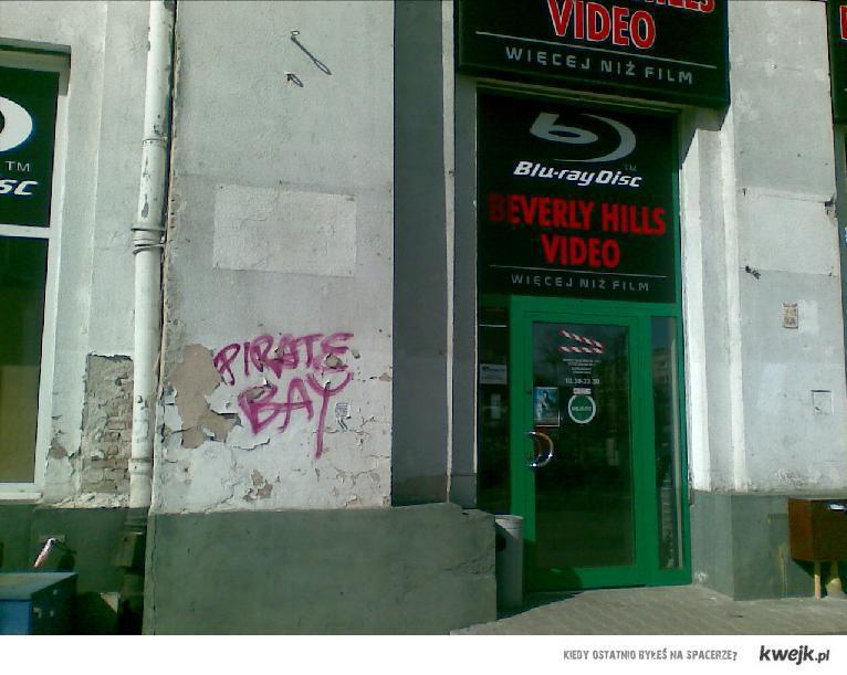 Wypożyczalnia Video - Pirate Bay