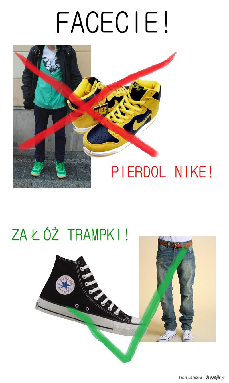 Nike vs Trampki.
